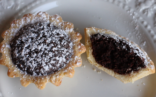 Bocconotti with almond chocolate filling