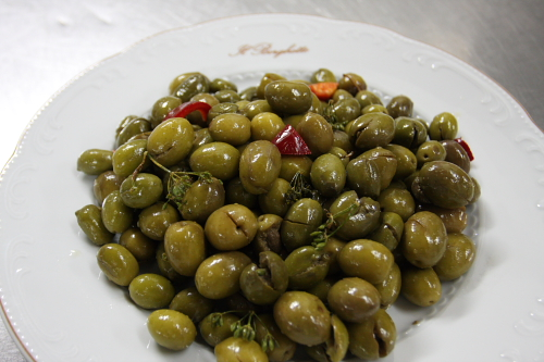 Cracked olives