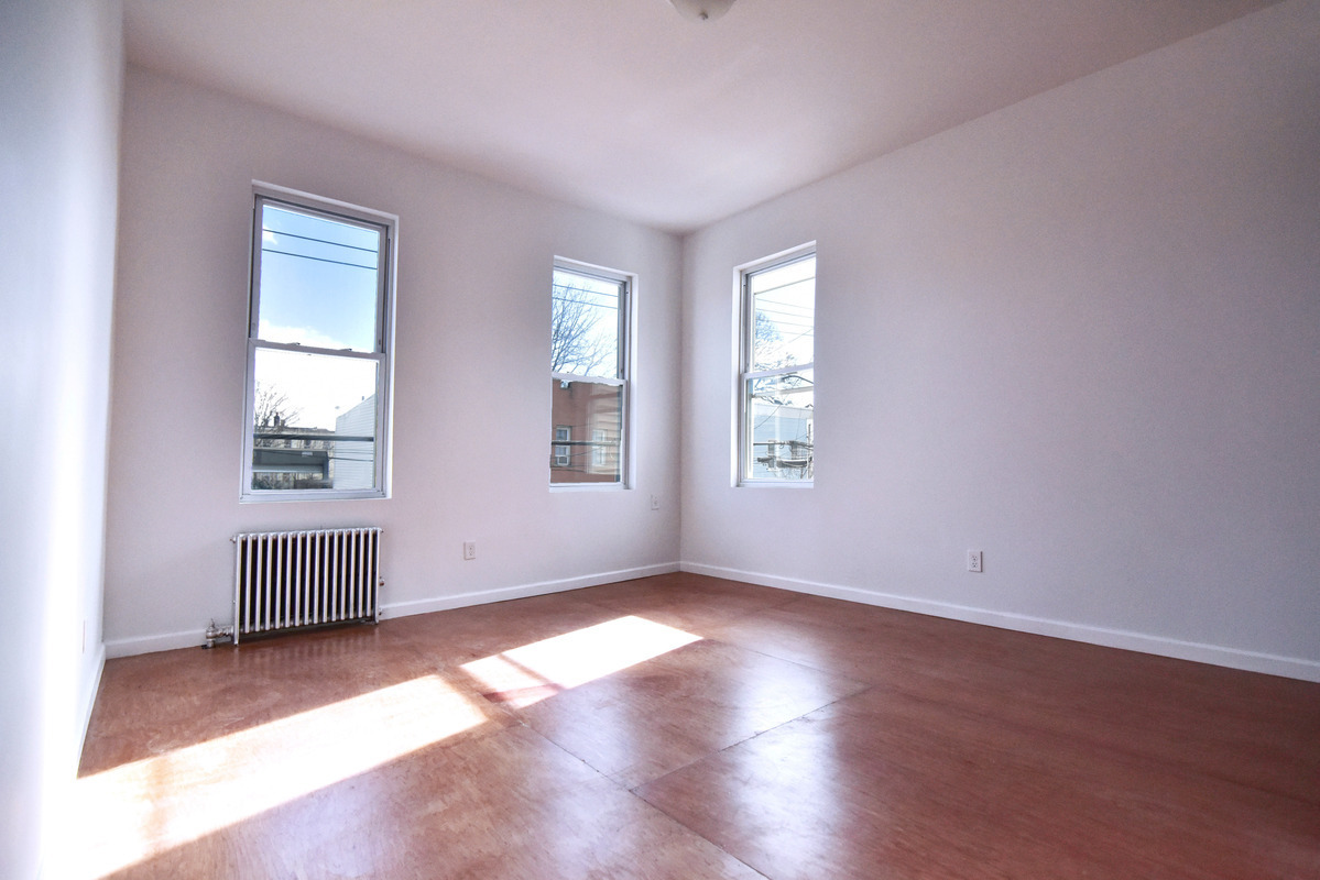 RENTED | 2 Bed | 1 Bath