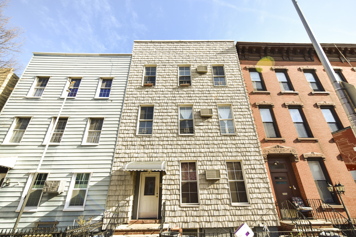 Off Market | Greenpoint | 3 Fam