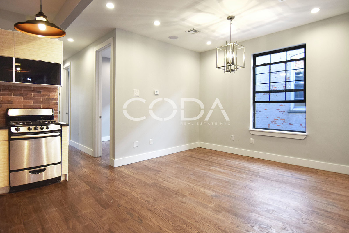 Ridgewood | 4 Bed | 1 Bath