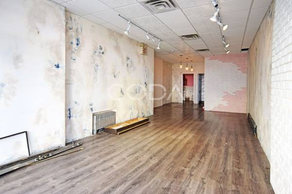 Greenpoint | 850 sqft | Retail