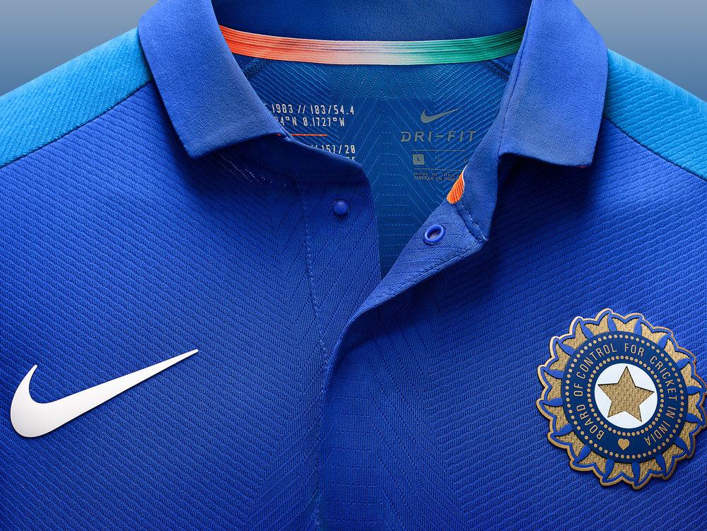 Nike_Cricket_IndiaNationalTeamKits_2019_56751_386869_r02_56751_379132_NIKE_APLA_SP19_Cricket_MensGamedayODIMatchTop_CollarButtons_Detail_Base_HR_original.jpg