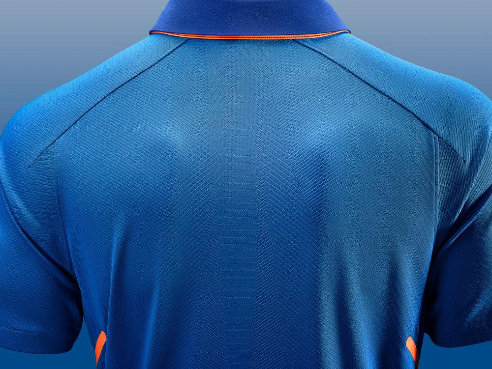 Nike_Cricket_IndiaNationalTeamKits_2019_56751_386870_r02_56751_379132_NIKE_APLA_SP19_Cricket_MensGamedayODIMatchTop_EngineeredMesh_Detail_Base_HR_original.jpg
