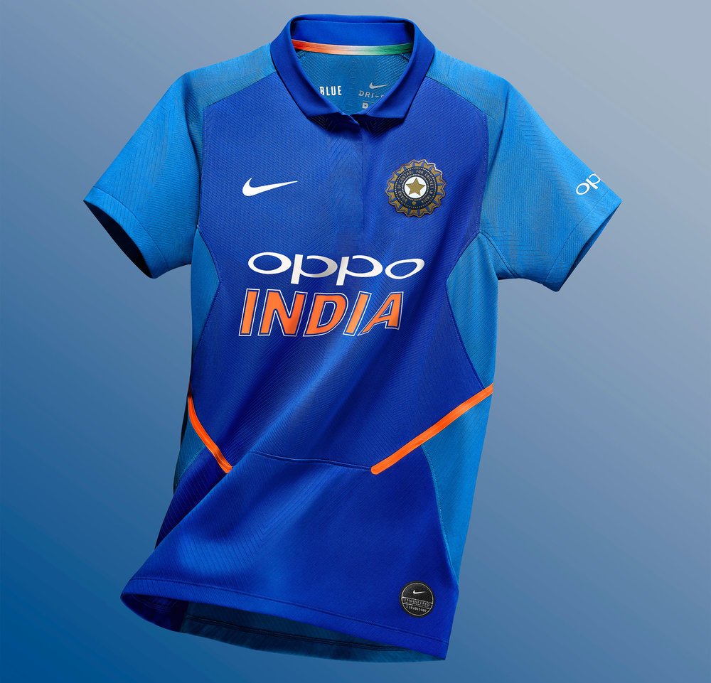 Nike_Cricket_IndiaNationalTeamKits_2019_56751_387376_r05_NIKE_APLA_SP19_Cricket_WomensStadiumTop_Floating_1217_HR_original.jpg