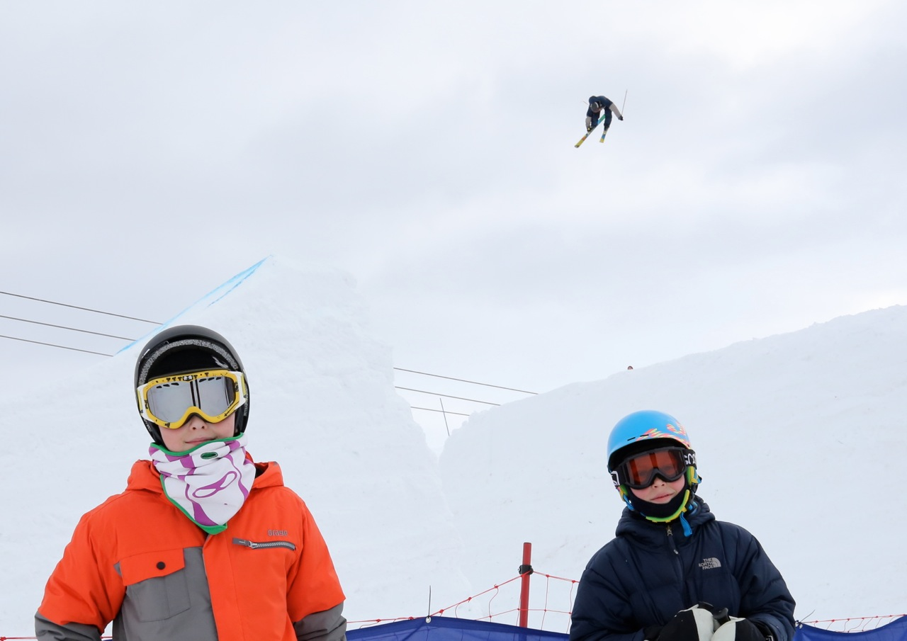 Jakob og Ulrik foran Big Air-hoppet
