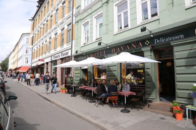 Sommerstemning på Grünerløkka i Oslo. Foto: Odd Roar Lange