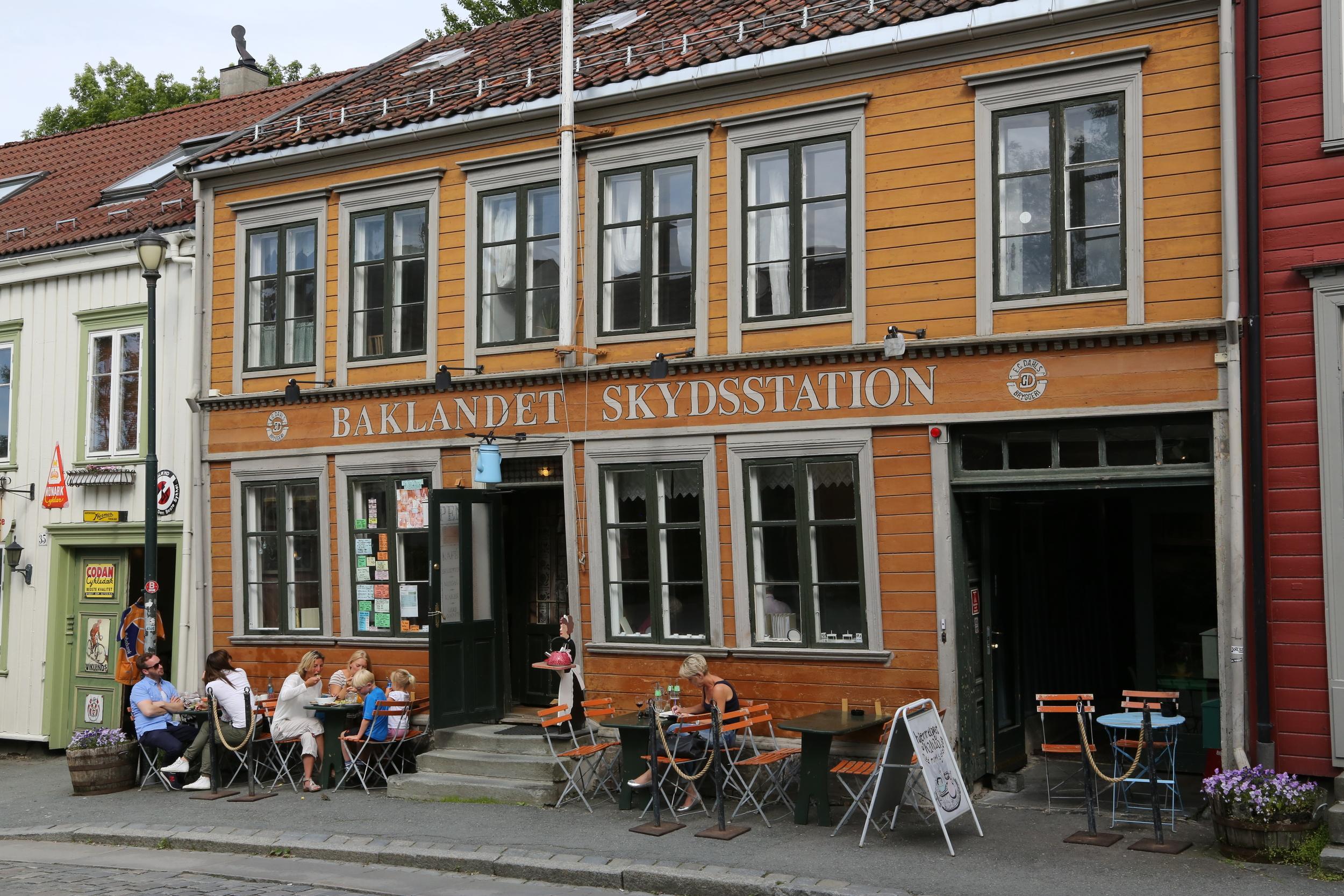 Baklandet Skydsstation - Norges triveligste kafé, mener jeg :-)