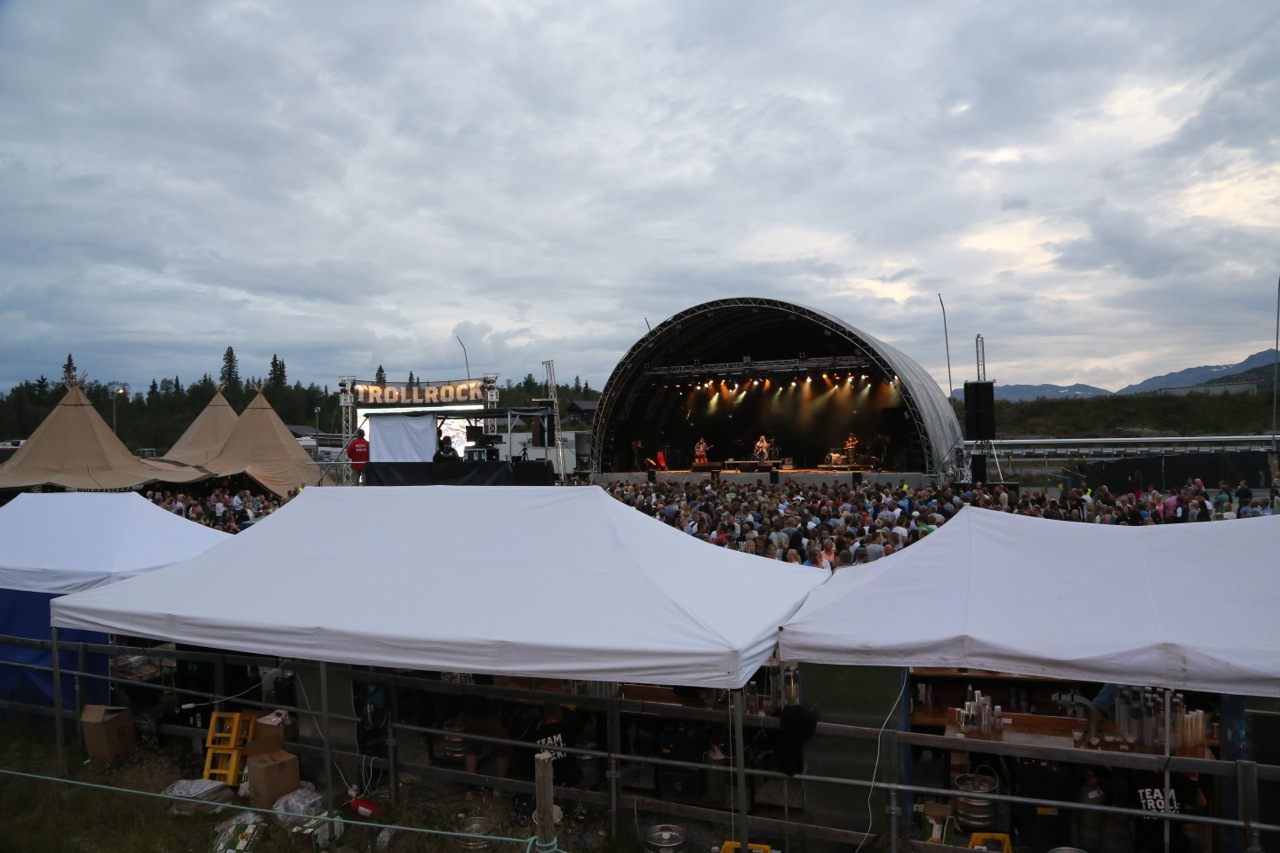Intimt festivalområde er viktig for atmosfæren. Resten skapes av arrangøren og gjestene. Og selvsagt artistene.