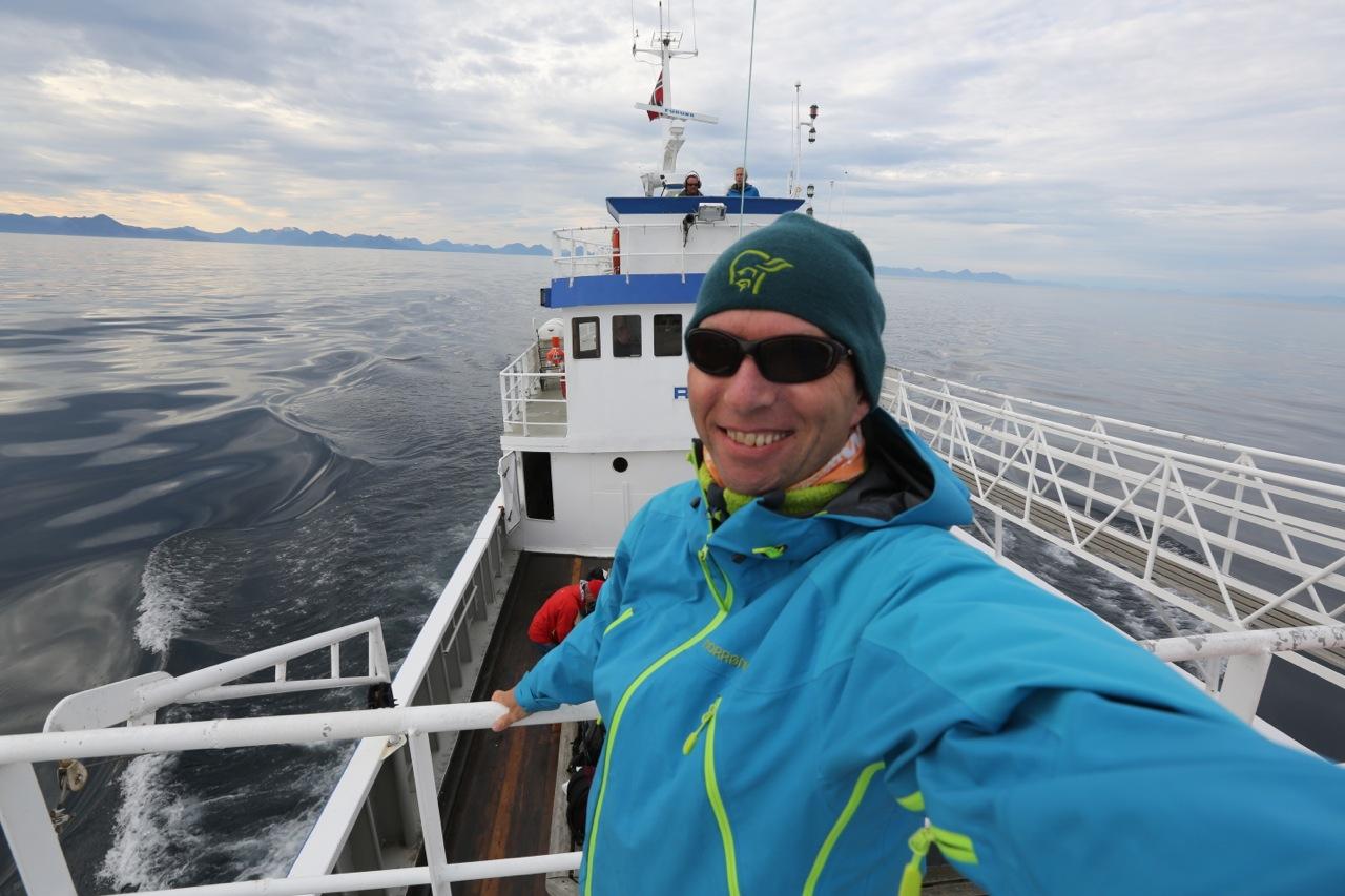 Bruk solbriller også ved sjøen Foto: Odd Roar Lange