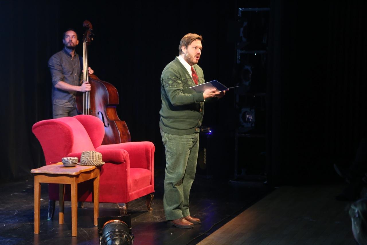 Fra oppføringen av Snekker Andersen og Julenissen på Teatret Vårt. Foto: Odd Roar Lange