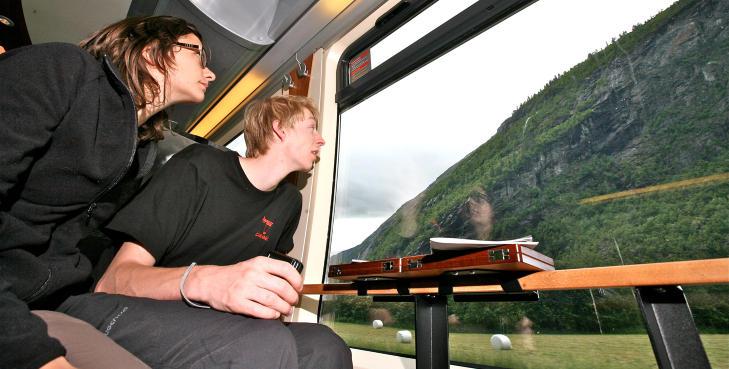 Raumabanen er blitt turistenes favoritt. Foto: Odd Roar Lange