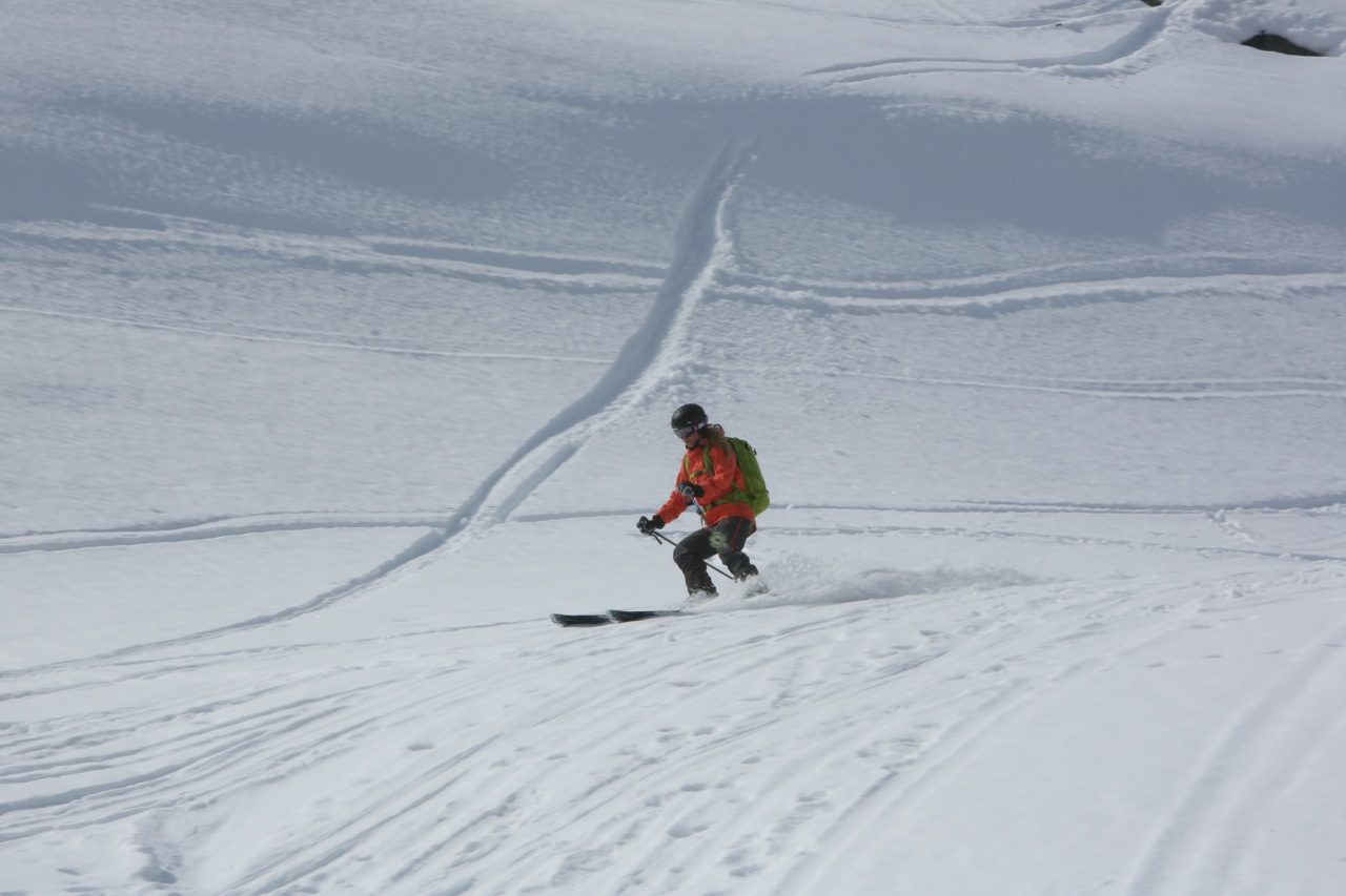 På vei ned fra Alnestinden. Her kan Trollstigrennet også ende. Foto: Odd Roar Lange