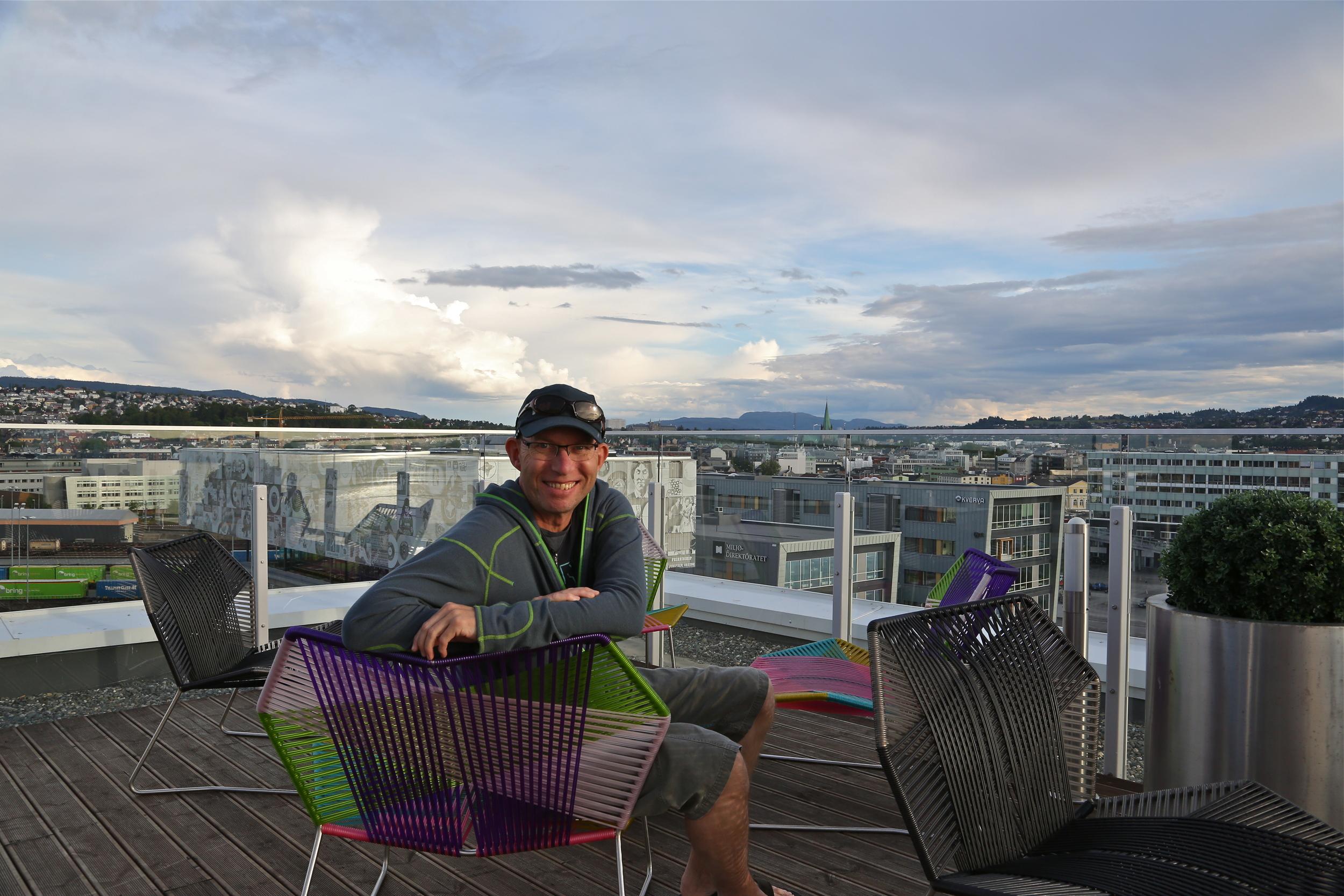 Sommerstemning på taket av Clarion Hotel & Congress i Trondheim. Foto: Jakob Lange