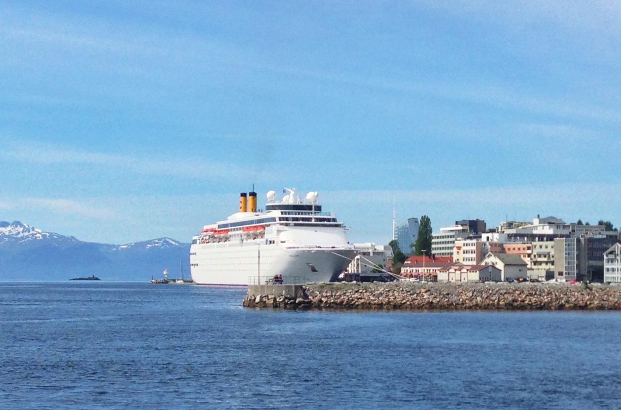 Cruisetrafikken. Sommeridyll eller problemer? Foto: Odd Roar Lange