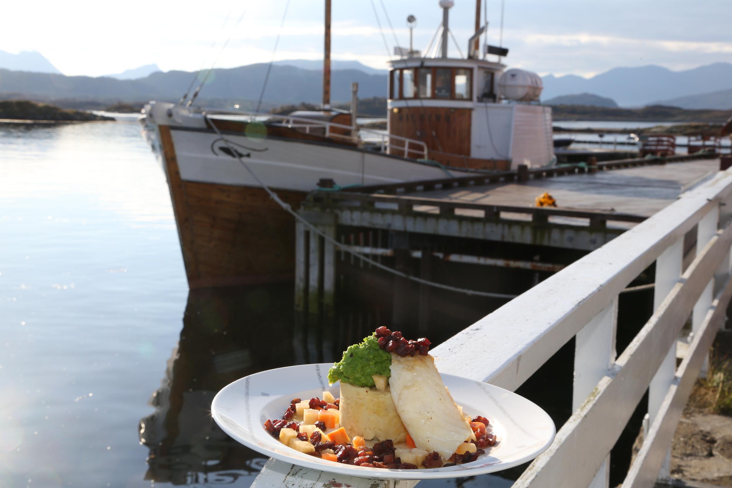 Klippfisk fra Håholmen. Deilig mat i lekre omgivelser. Foto: Odd Roar Lange