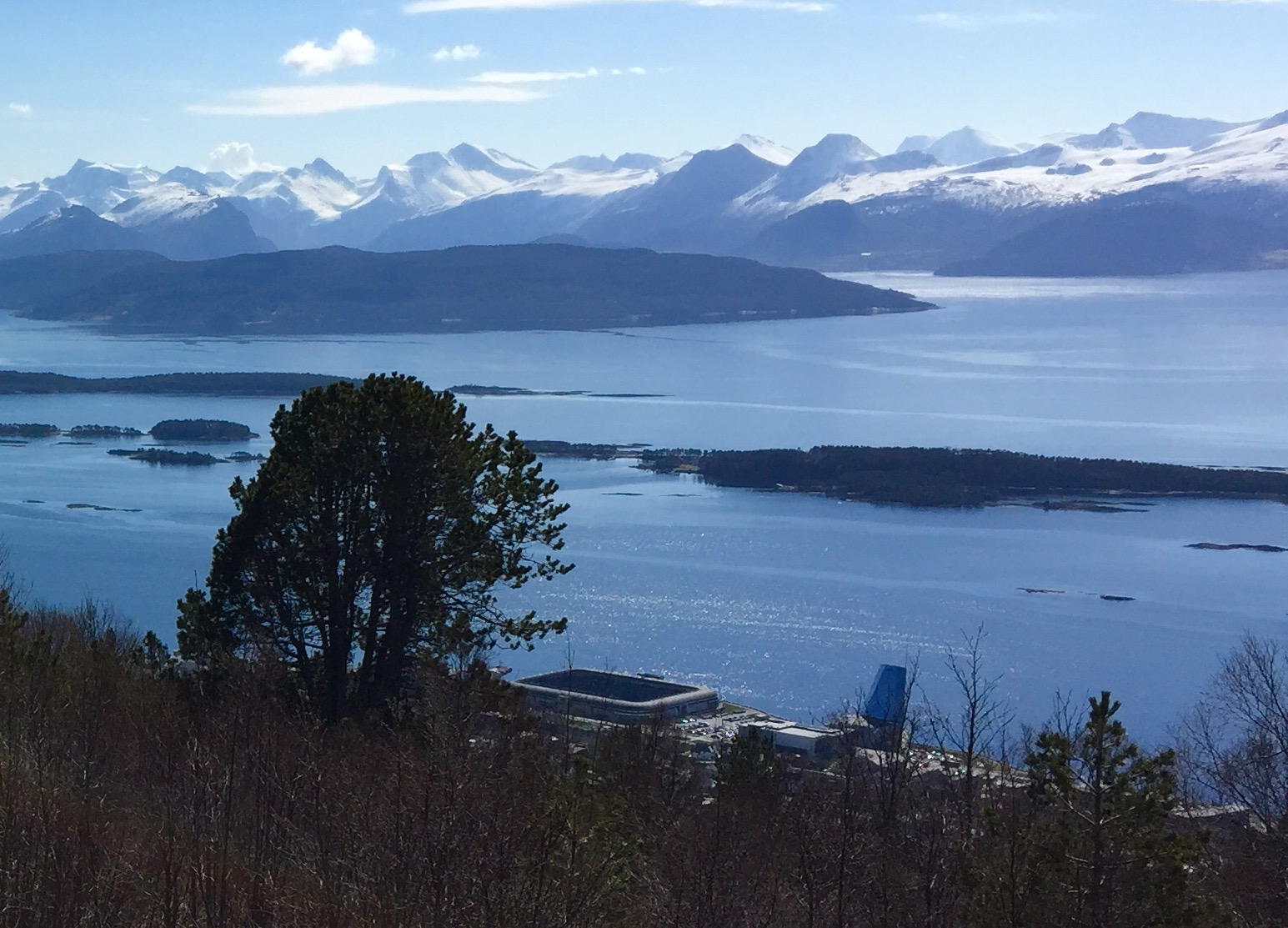 Aker stadion ligger veldig fint til ved fjorden. Doto: Odd Roar Lange