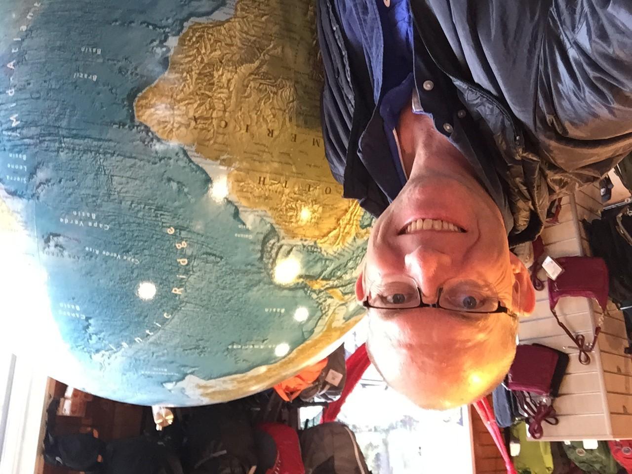 Hva jeg og globusen her til felles? Vi er ganske blanke på toppen :-)