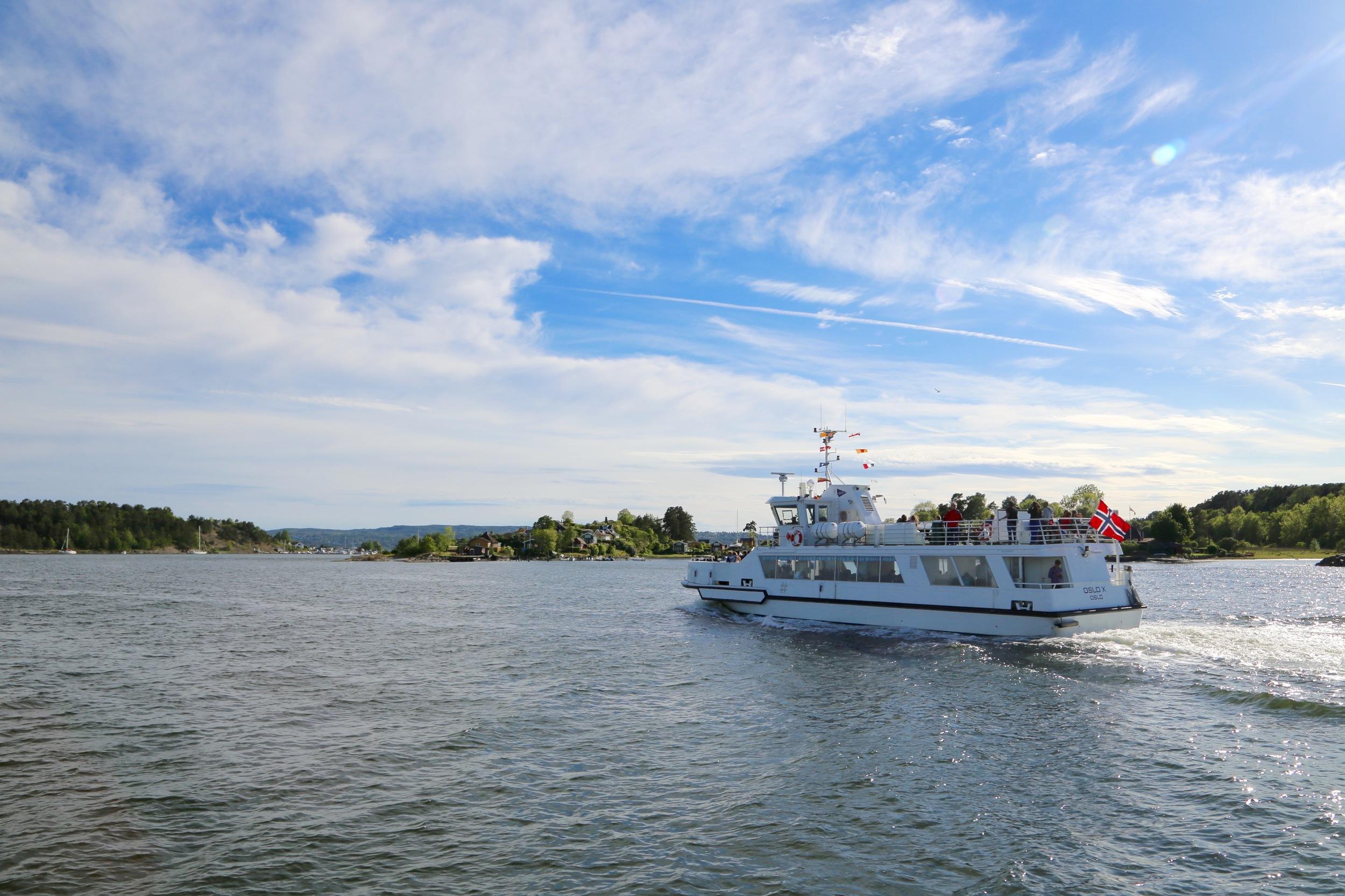 Oslofergene går i skytteltrafikk. GHuks å sjekke når siste returbåt går... Odd Roar Lange