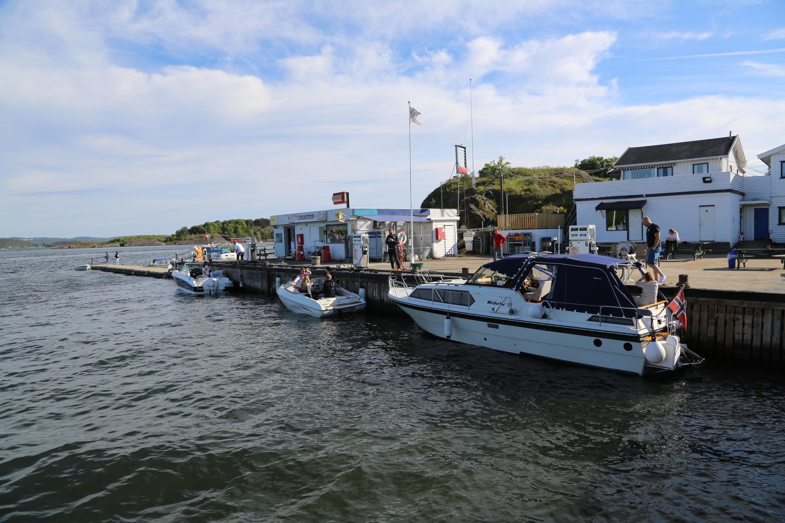 Lindøya har egen marina. Foto: Odd Roar Lange