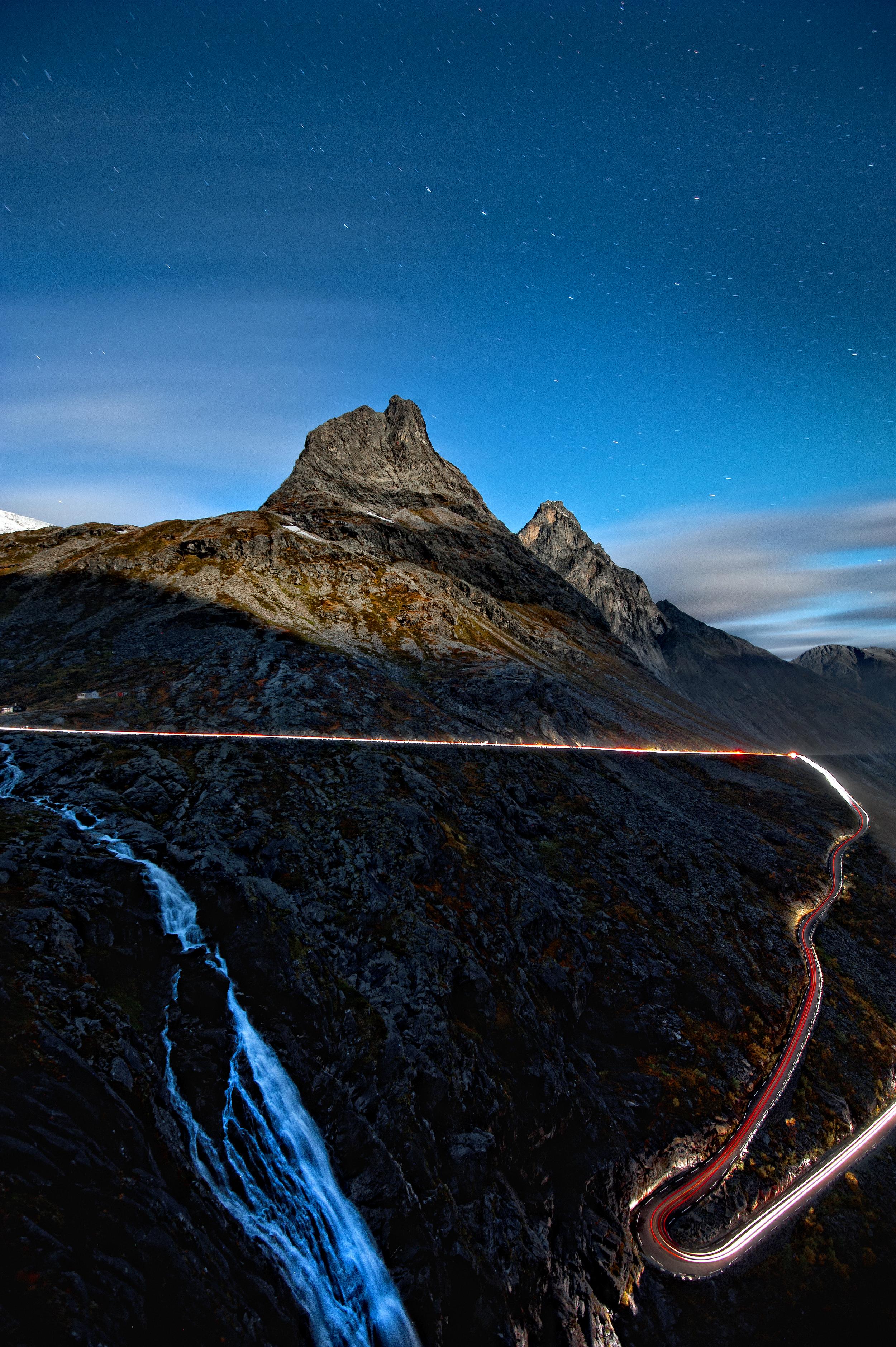 Romsdal Trollstigen Bispen Foto John Colbensen
