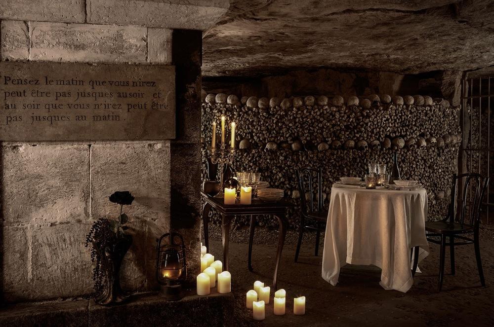 500 000 turister besøker katakombene hvert år. Nå skal de to første få overnatte her. Foto: Airbnb