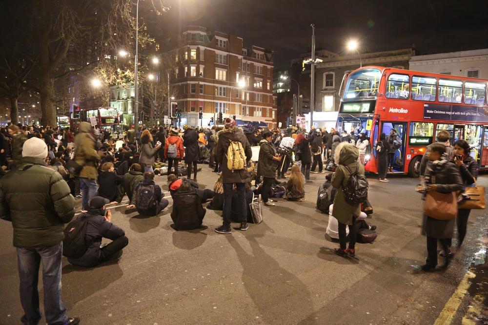 Unngå å oppsøke store folkemengder dersom du er der terrorangrep pågår. Illustrasjonsfoto: Odd Roar Lange