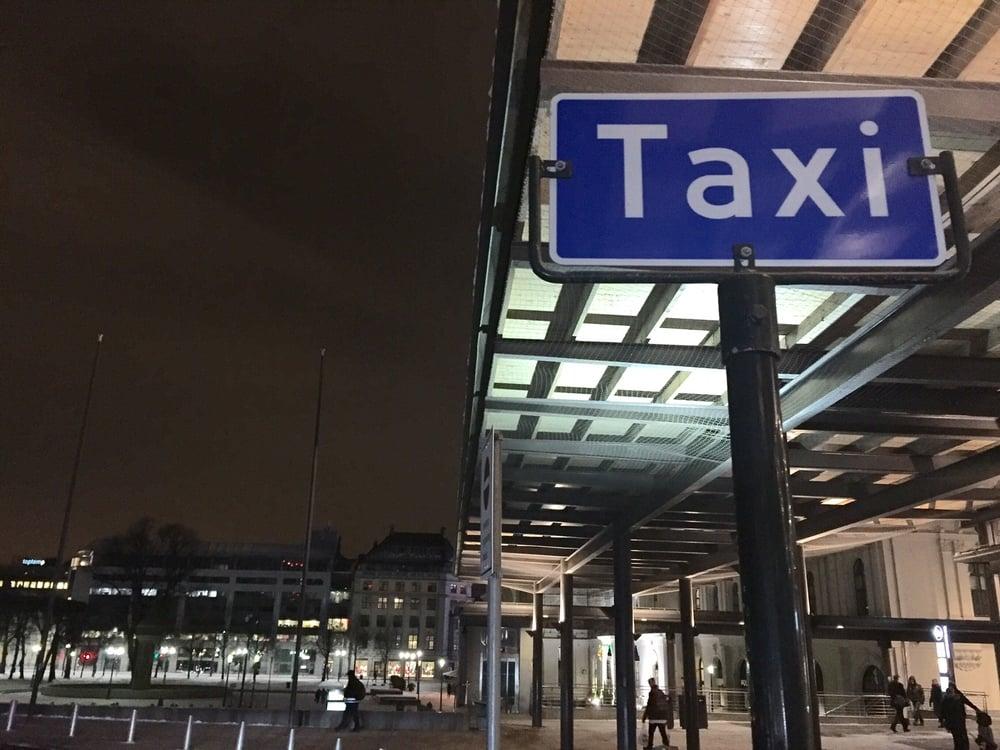 Det går mot tøffere tider for taxinæringen. Til glede for kundene. Foto: Odd Roar Lange