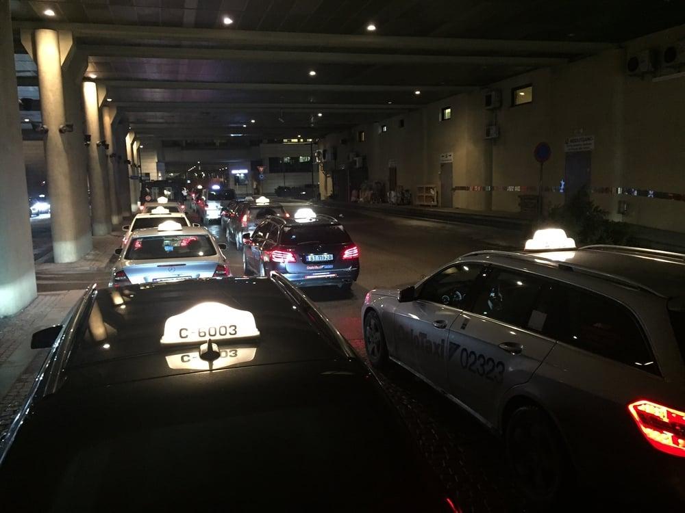 Det er få lyspunkt for taxinæringen. Med mindre de lærer av Uber.   Foto: Odd Roar Lange