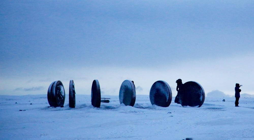 Mange nordmenn har kun sett Nordkapp på TV. Ta turen selv, når du er med Hurtigruten i Finnmark. Foto: Odd Roar Lange