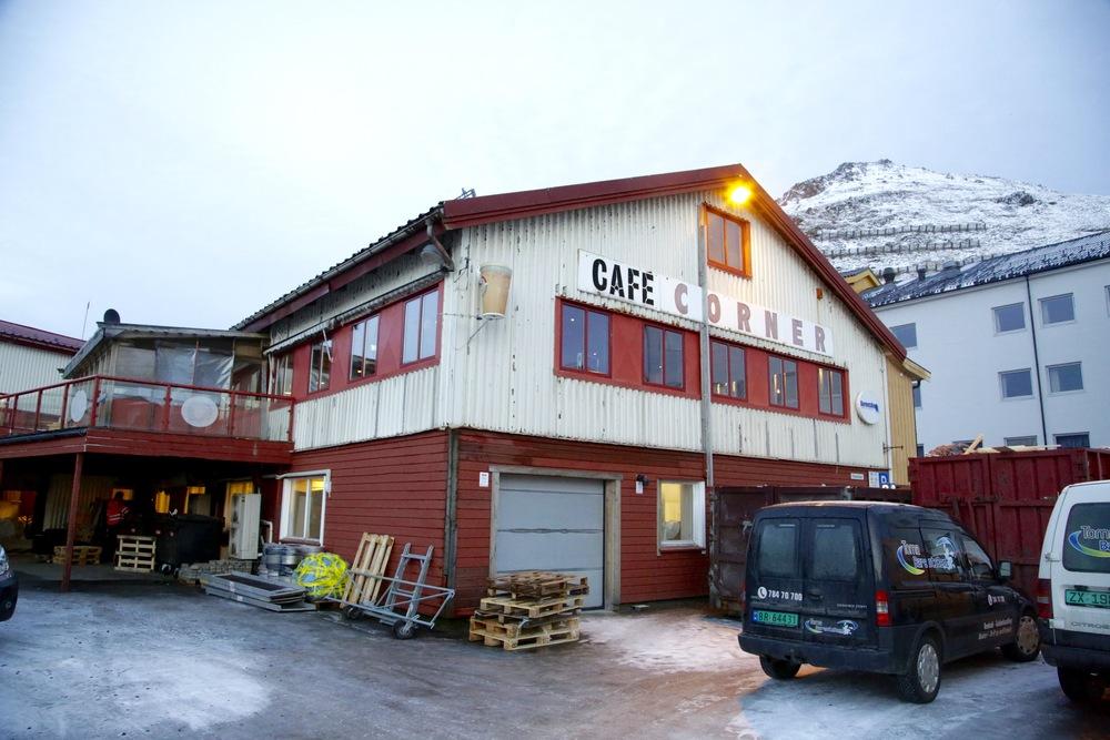 Eksotisk innslag på turen: Cafè Corner i Hammerfest.      Foto: Odd Roar Lange
