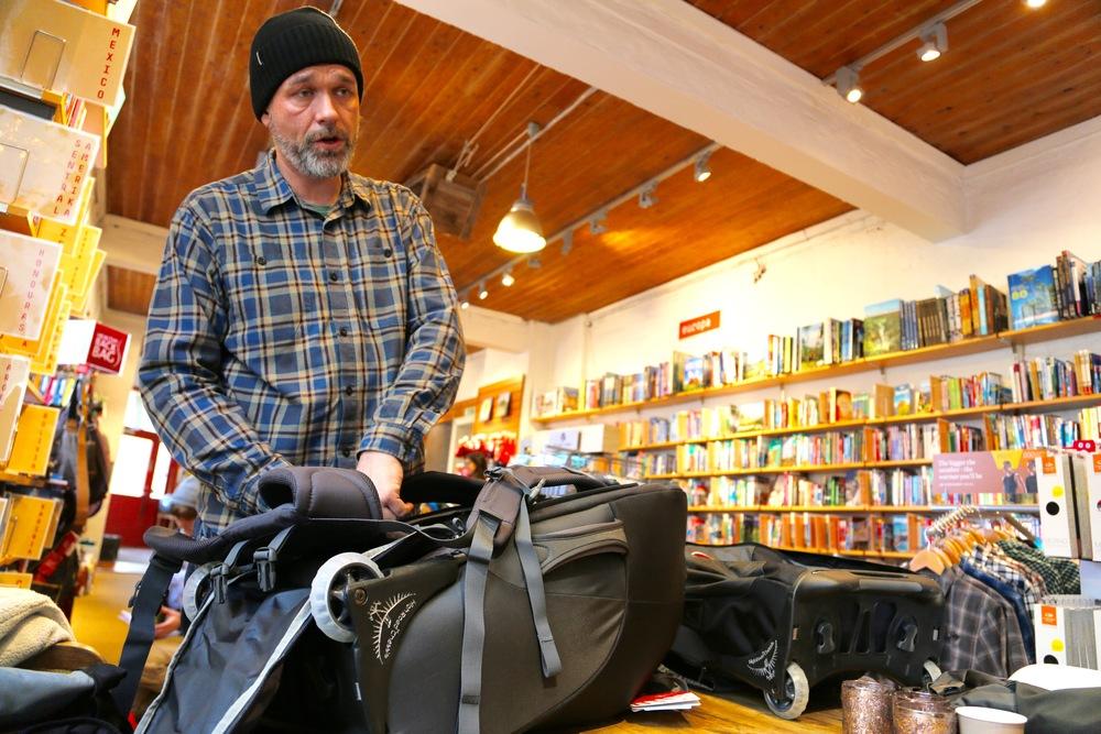 Butikksjef Raymond Haase ved Nomaden i Oslo.                Foto: Odd Roar Lange