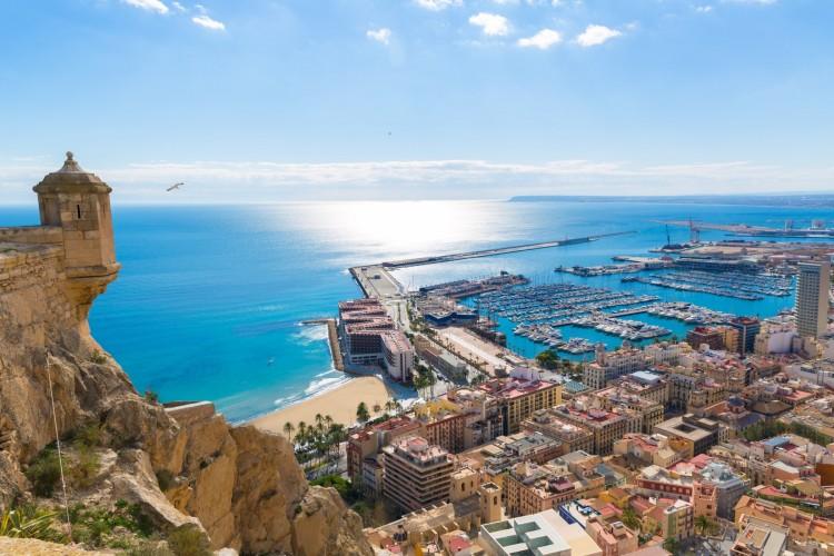 Er du klar for en ferie i Alicante til sommeren?                                Foto: KLM