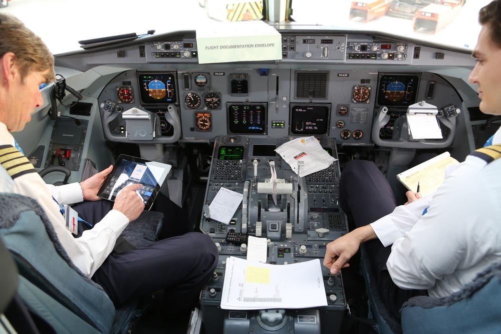 Hva skjer når flyet ditt er forsinket eller blir innstilt?                 Foto: Odd Roar Lange