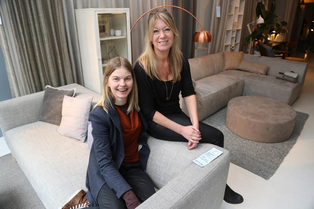 Ines Kram og Martine Herselman hos Dot Shop.               Foto: Odd Roar Lange