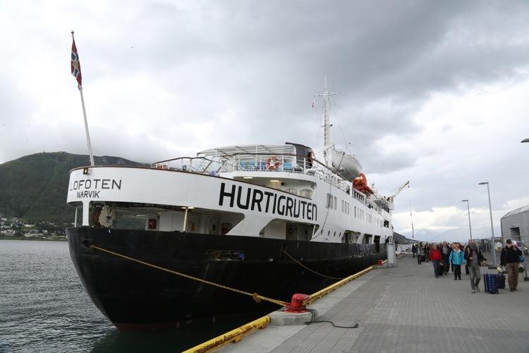 Reisen til Tromsø gikk med Hurtigruteskipet Lofoten.         Foto: Odd Roar Lange