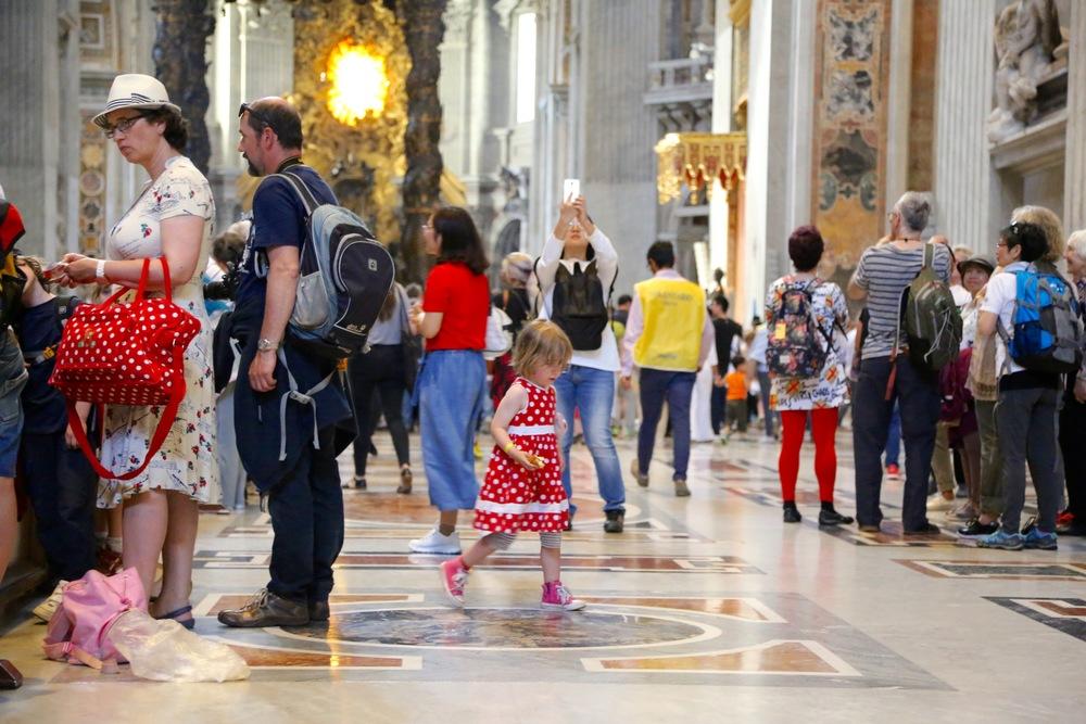 Peterskirken i Roma er en av de aller best besøkte turistattraksjonene i verden. Foto: Odd Roar Lange