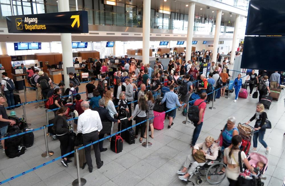 Go to gate. Gjør deg klar for å bestille høstens flybilletter. Nå går de billigste. Foto: Odd R. Lange