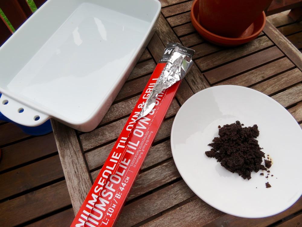 Disse tre tingene trenger du - og husk fyrstikker eller lighter. Kaffegruten kan du tørke i en komfyr.                                    Foto: Odd Roar Lange