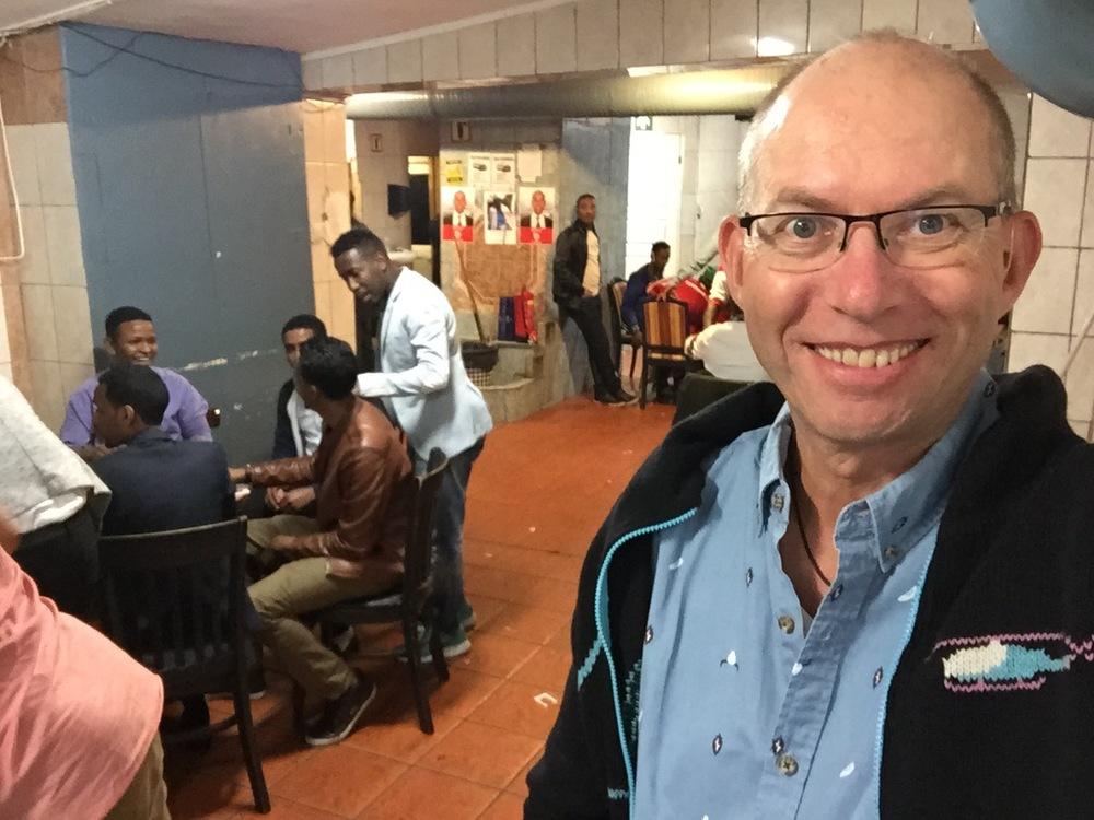 På drop-in-besøk på Somalisk herreklubb på Grønland. En fargerik opplevelse. Foto: Odd Roar Lange