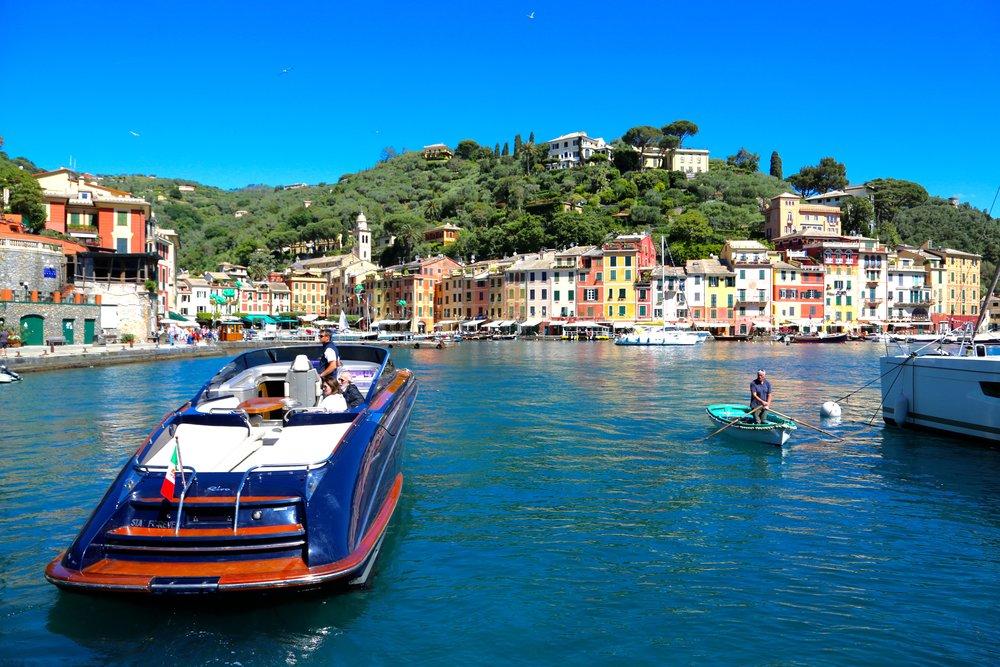 Drømmekvinnen - en Riva fra det italienske yachtverftet.   Foto: Odd Roar Lange