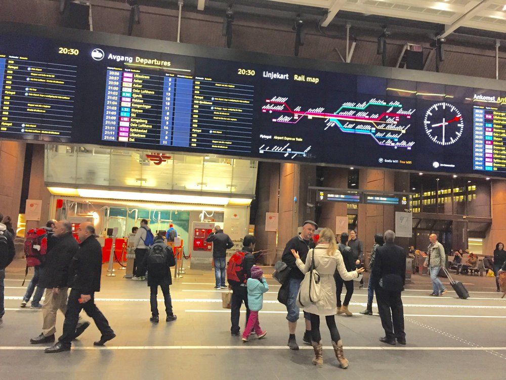 Sjekk dine rettigheter når togene er forsinket.           Foto: Odd Roar Lange