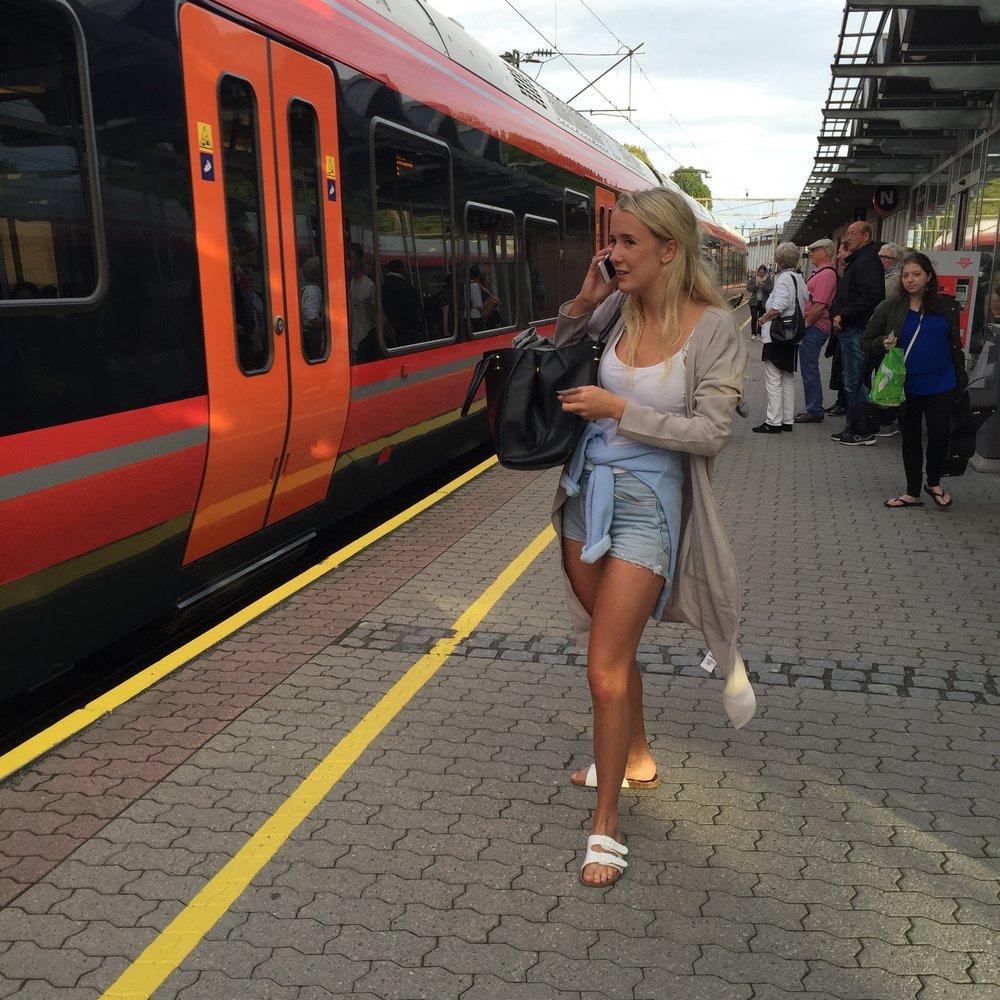 Sjekk togtidene og bruk gjerne appene til NSB, Ruter og Flytoget. Foto: Odd Roar Lange