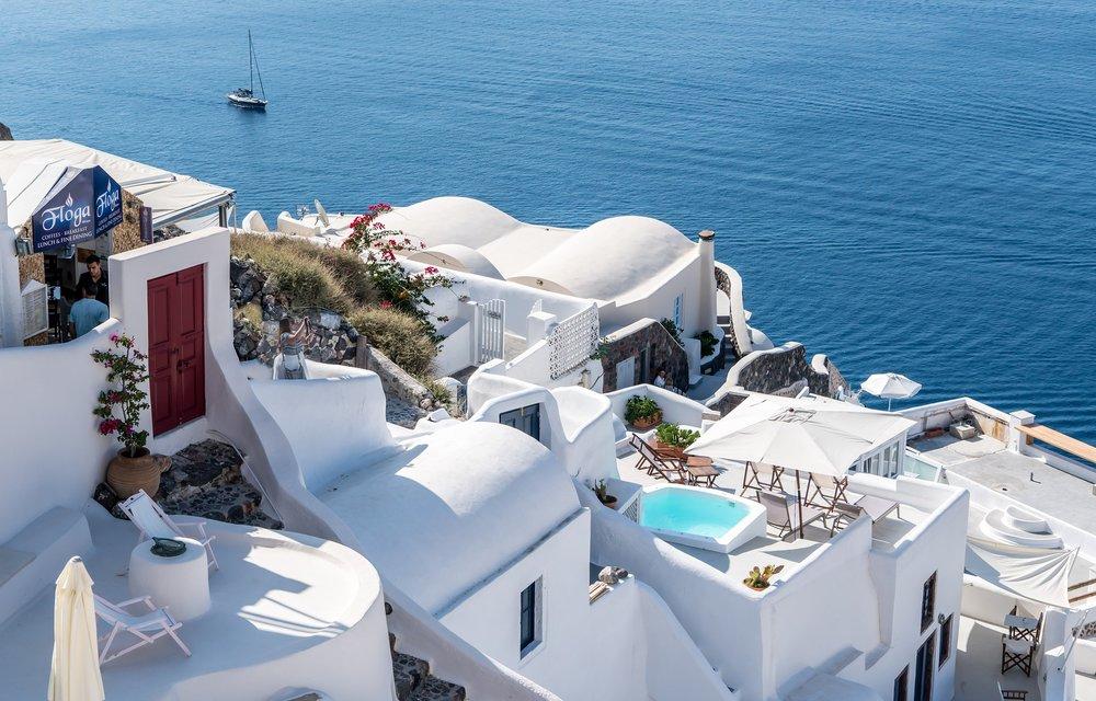 Vakre Santorini - manges sommerfavoritt.              Foto: Michelle Maria