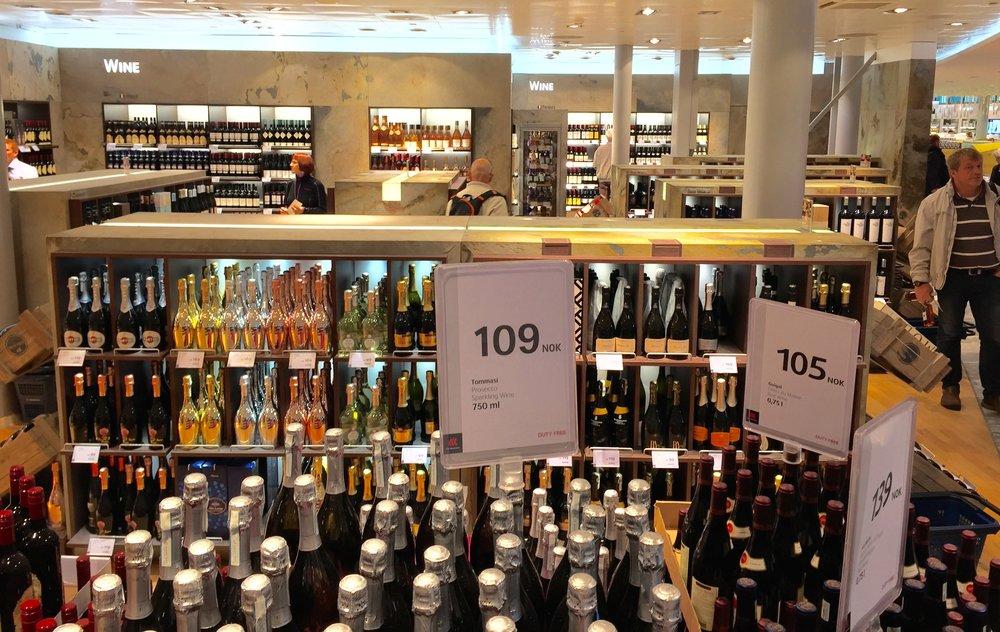 Bør denne butikken stenges?                        Foto: Odd Roar Lange