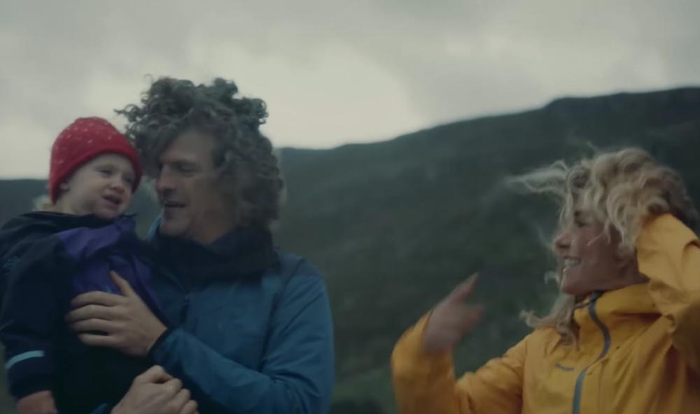 Aleksander Gamme, Cecilie Skog og datteren Vilja.     Foto; Hurtigruten/Thetravelinspector