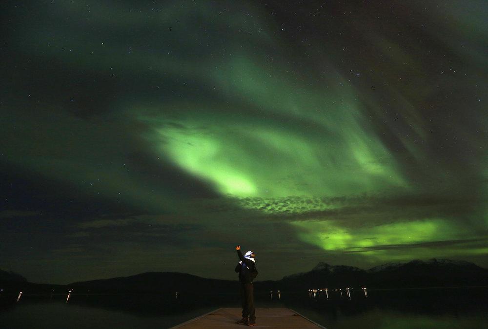 Se det flotte nordlyset. Klikk på lenken over, så får du se flere bilder. Foto: Yannis Behrakis/Reuter