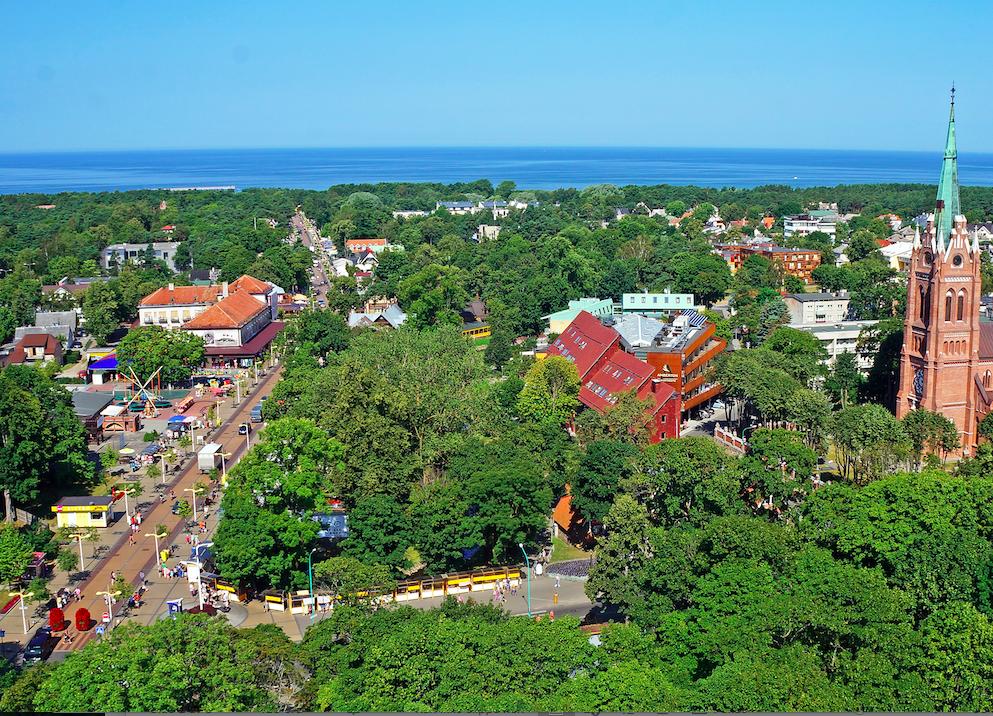 Palanga: Palanga er Litauernes sommerhovedstad med en vakker sandstrand, gatekarneval, markeder og yrende kultur   Foto: Lithuanian State Department of Tourism