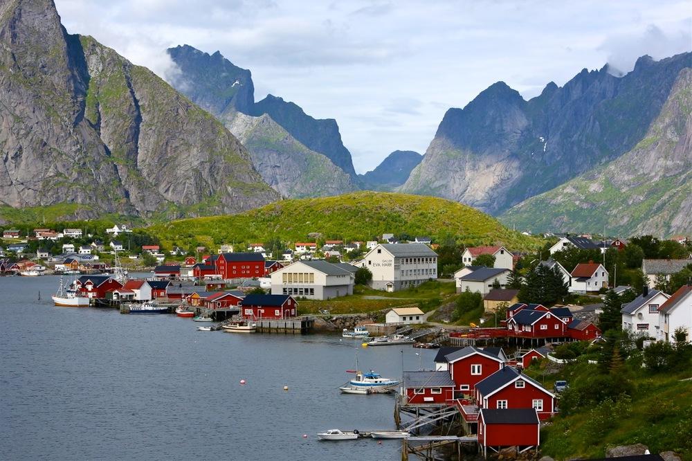 Reine i Lofoten er en drøm for mange. Det forstår jeg godt.         Foto: Odd Roar Lange