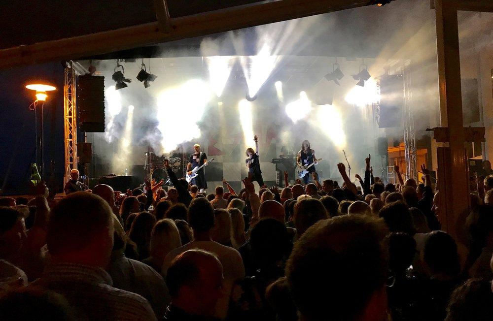 Loveshack sørger for musikkfest i Molde.             Foto: Odd Roar Lange